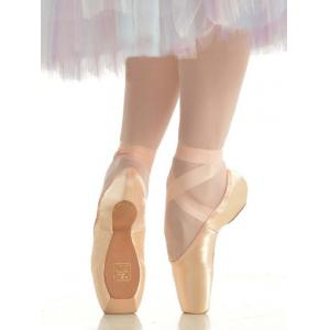 Gaynor_Minden_Pointe_Shoes